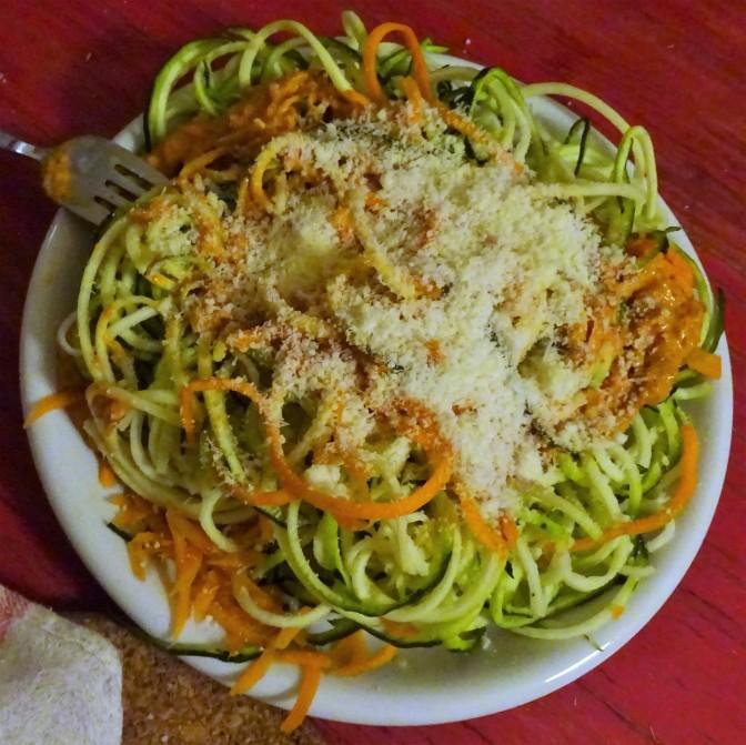 Spaghetti mit Paprika-Nuss-Soße